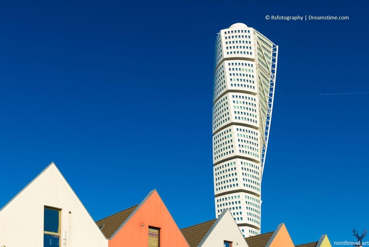 """Шведская архитектура. Мальмё. Высотное здание """"Turning Torso"""""""