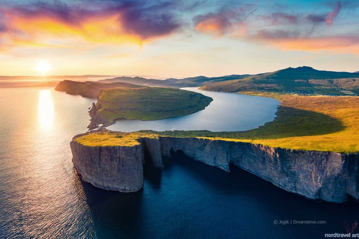 Фарерские острова. Остров Вагар. Озеро Сёрвогсватн