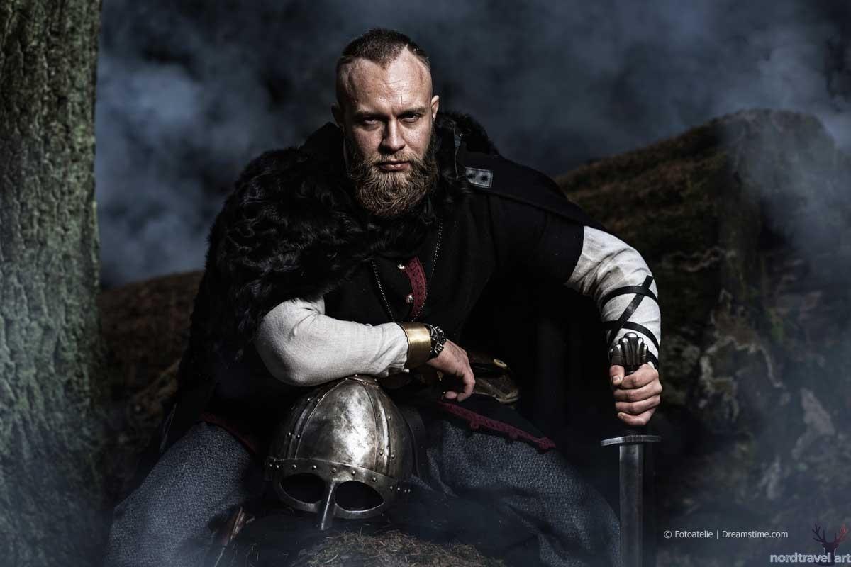 Битва у Стамфорд-Бриджа. Норвежский воин-викинг (современная реконструкция)